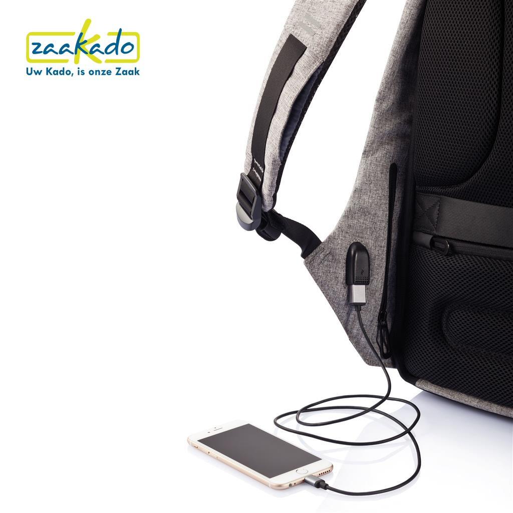 Luxe rugzak telefoon oplader smartphone geintegreerd logo bedrukken relatiegeschenk eindejaarsgeschenk kerstpakket personaliseren ZaaKado 2017