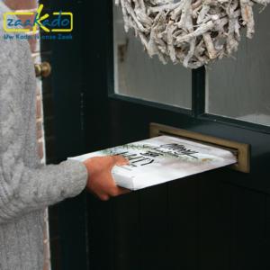 Mini kerstboom op maat personaliseren wensen eisen custom made verpakking kerstverpakking relatiegeschenk brievenbus geschenk brievenbusformaat kerst kerstmis ZaaKado Rotterdam