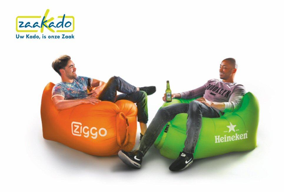 SeatZac Chill zitzak met logo bedrukken custom made gepersonaliseerd beeldmerk eigen PMS kleur chillbag hippe giveaway consumenten cadeau relatiegescheken PromzLive 2017 Zaakado