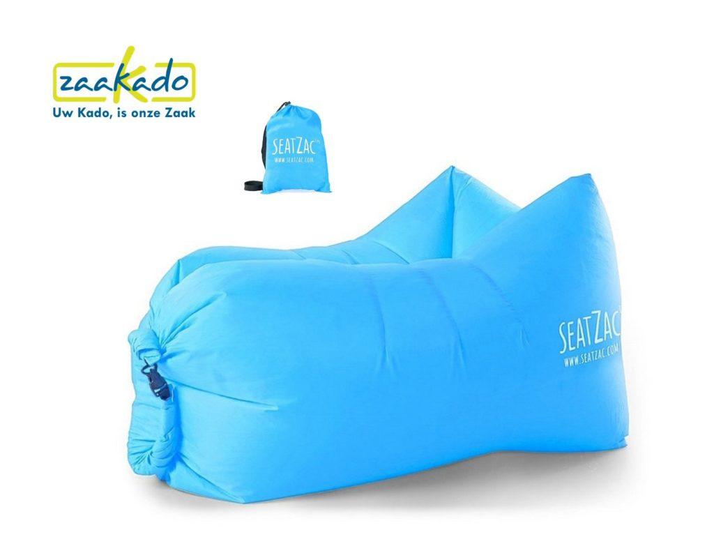 SeatZac blauw aqua cyaan chillbag logo bedrukken kerstcadeau personeel mannen vrouwen kadotip kerst 2017 origineel hip kado Relatiegeschenken Rotterdam ZaaKado