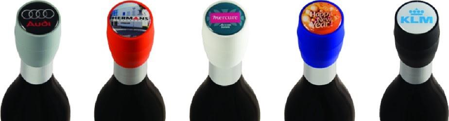 Wijnstopper ook op dichte fles met logo doming relatiegeschenken ZaaKado